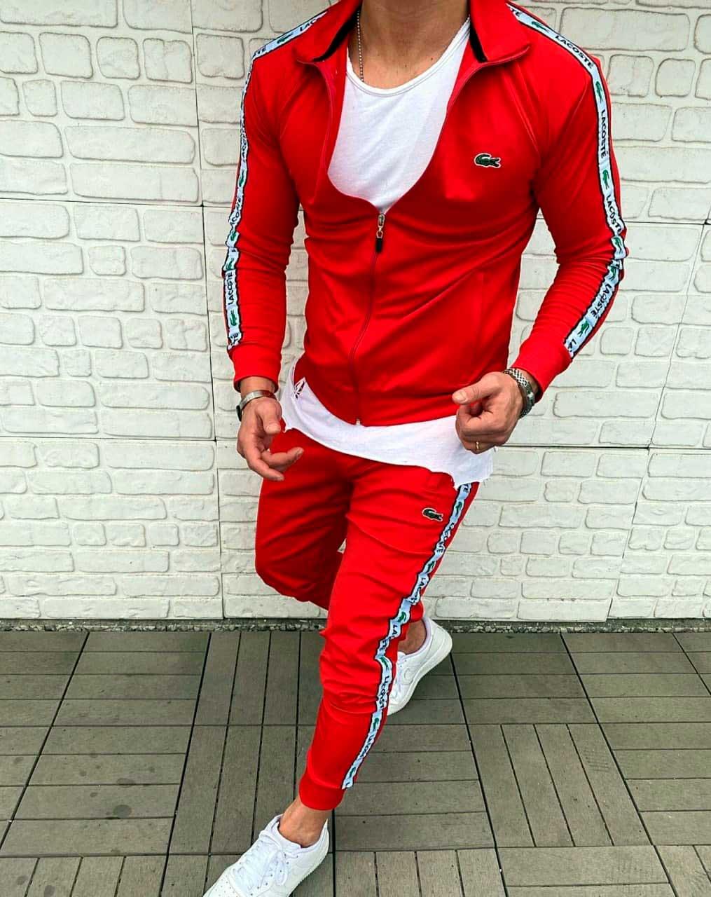 Спортивный брендовый костюм красный фото